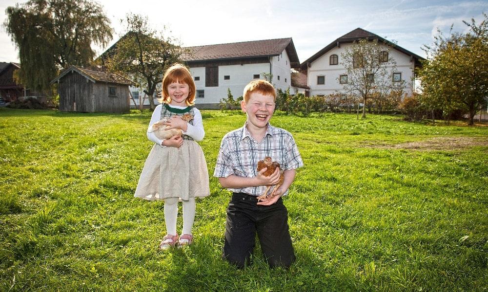 Hubers Landhendl Blog Kinder mit Huhn